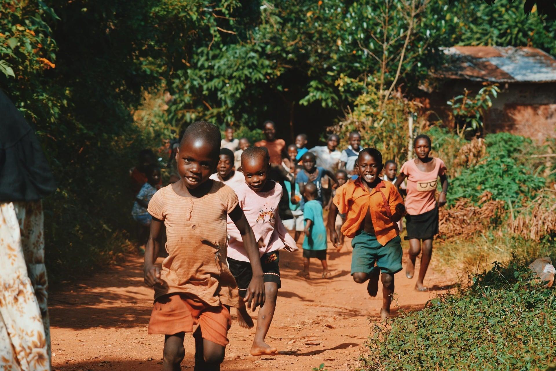 Volontariato internazionale in Kenya per supportare la crescita dei bambini